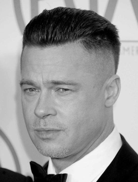 Жирные волосы у мужчины - фото